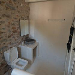 Ground suite: master bathroom/ living room