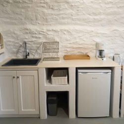 Tower suite: kitchenette